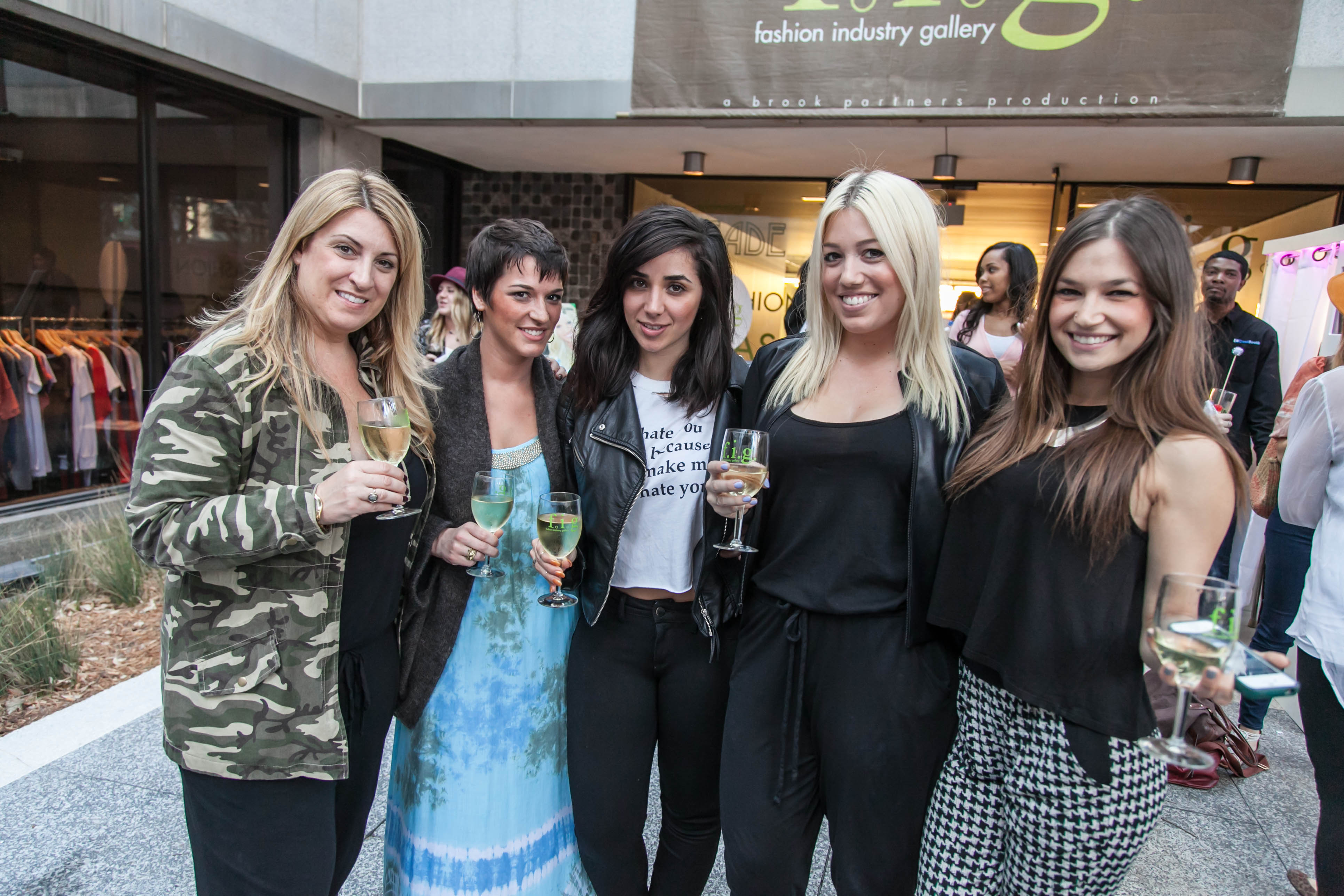 Fashion industry gallery -  March 2014 Market Fall I